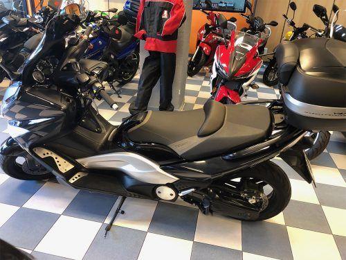 yamaha tmax 0007 IMG 0398.JPG 500x375 - scooter-mas-125 -