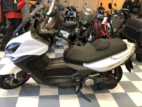 kymco xciting 400 4 500x375 - scooter-mas-125 -