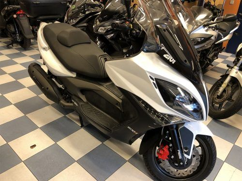 kymco xciting 400 5 500x375 - scooter-mas-125 -