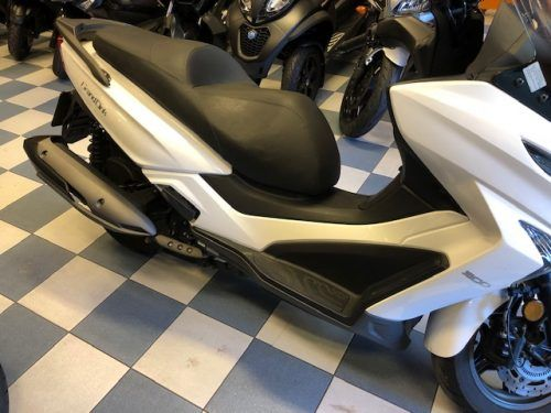 kymco-grand-dink-300 dcha 2