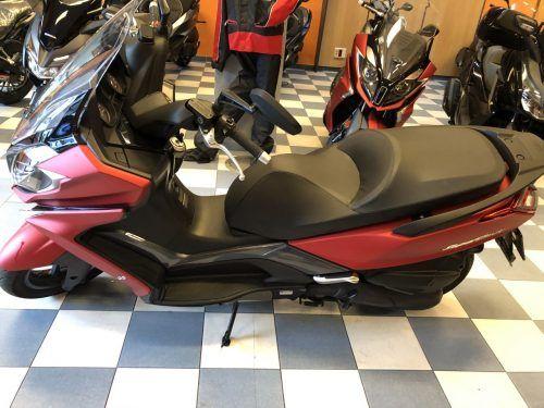 kymco Super Dink 125 6 1 500x375 - scooter-125 -