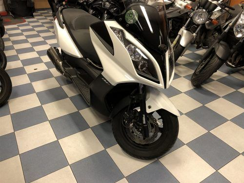 kymco super dink 125 4 500x375 - scooter-125 -