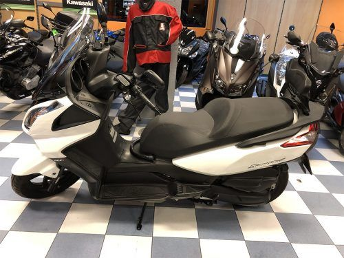 kymco super dink 125 8 500x375 - scooter-125 -