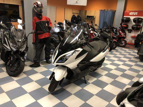 kymco super dink 125 9 500x375 - scooter-125 -