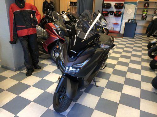 honda forza 125 3 500x375 - scooter-125 -