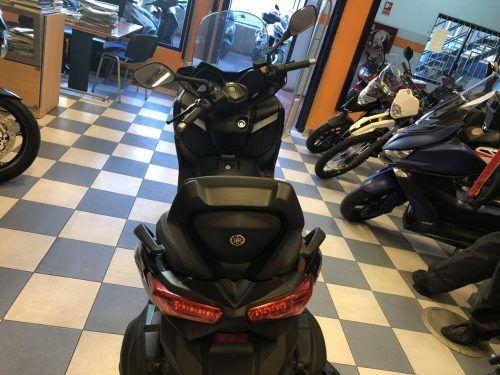 yamaha xmax 400 10 500x375 - scooter-mas-125 -