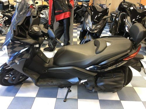 yamaha xmax 400 8 500x375 - scooter-mas-125 -