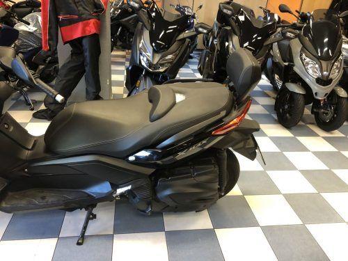 yamaha xmax 400 9 500x375 - scooter-mas-125 -