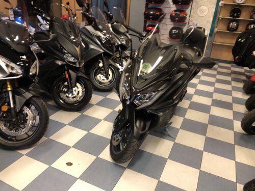 kymco ak 550 02 500x375 - scooter-mas-125 -