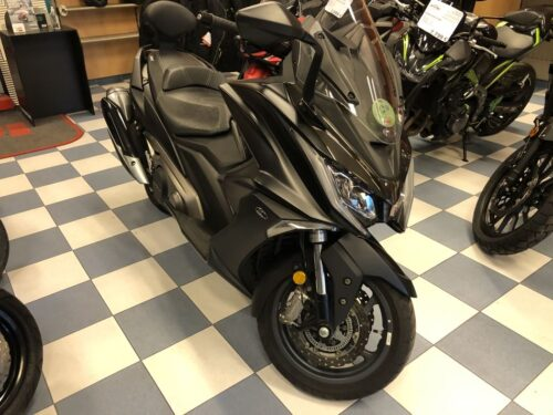 kymco ak 550 05 500x375 - scooter-mas-125 -