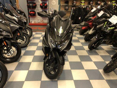 kymco ak 550 06 500x375 - scooter-mas-125 -