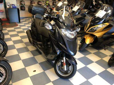 kymco granddink125 001 400x300 - scooter-125 -