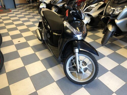 honda sh mode 125 01 500x375 - scooter-125 -