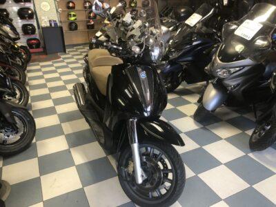 piaggio beverly 500 10 400x300 - scooter-125 -