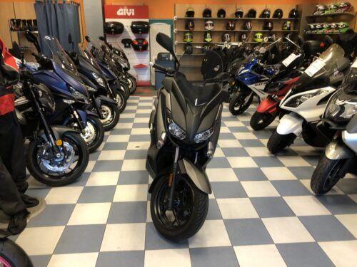 yamaha xmax 125 abs 04 500x375 - scooter-125 -