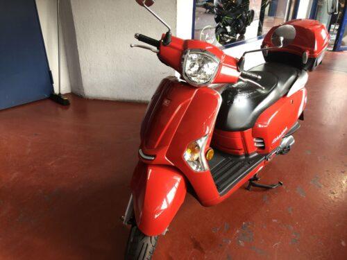 kymco like 125 03 500x375 - scooter-125 -