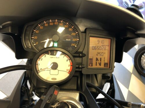 BMW F800R 01 500x375 - carretera -