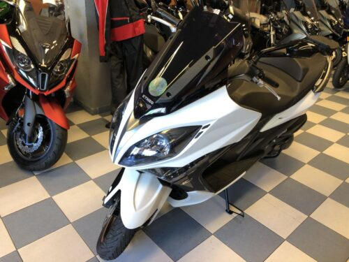kymco xciting 400 02 500x375 - scooter-mas-125 -