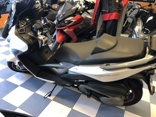 kymco xciting 400 03 500x375 - scooter-mas-125 -