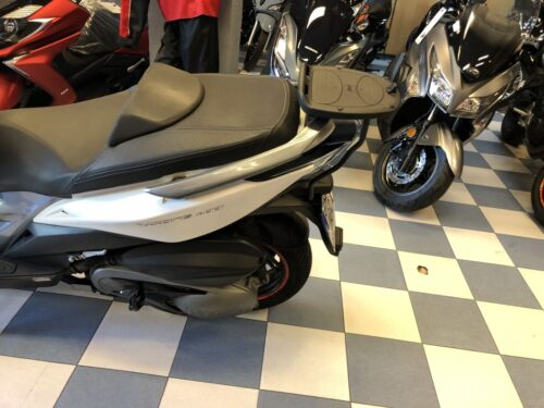 kymco xciting 400 04 500x375 - scooter-mas-125 -