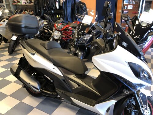 kymco xciting 400 08 500x375 - scooter-mas-125 -