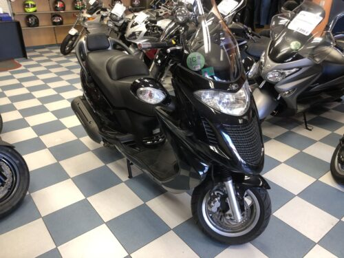 kymco Grand dink 125 01 500x375 - scooter-125 -