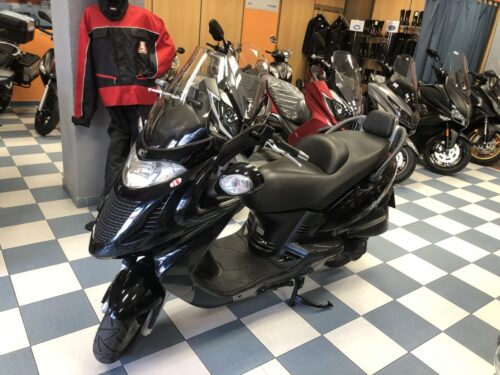 kymco Grand dink 125 04 500x375 - scooter-125 -