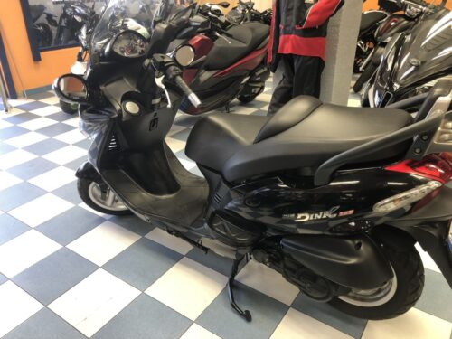 kymco Grand dink 125 07 500x375 - scooter-125 -