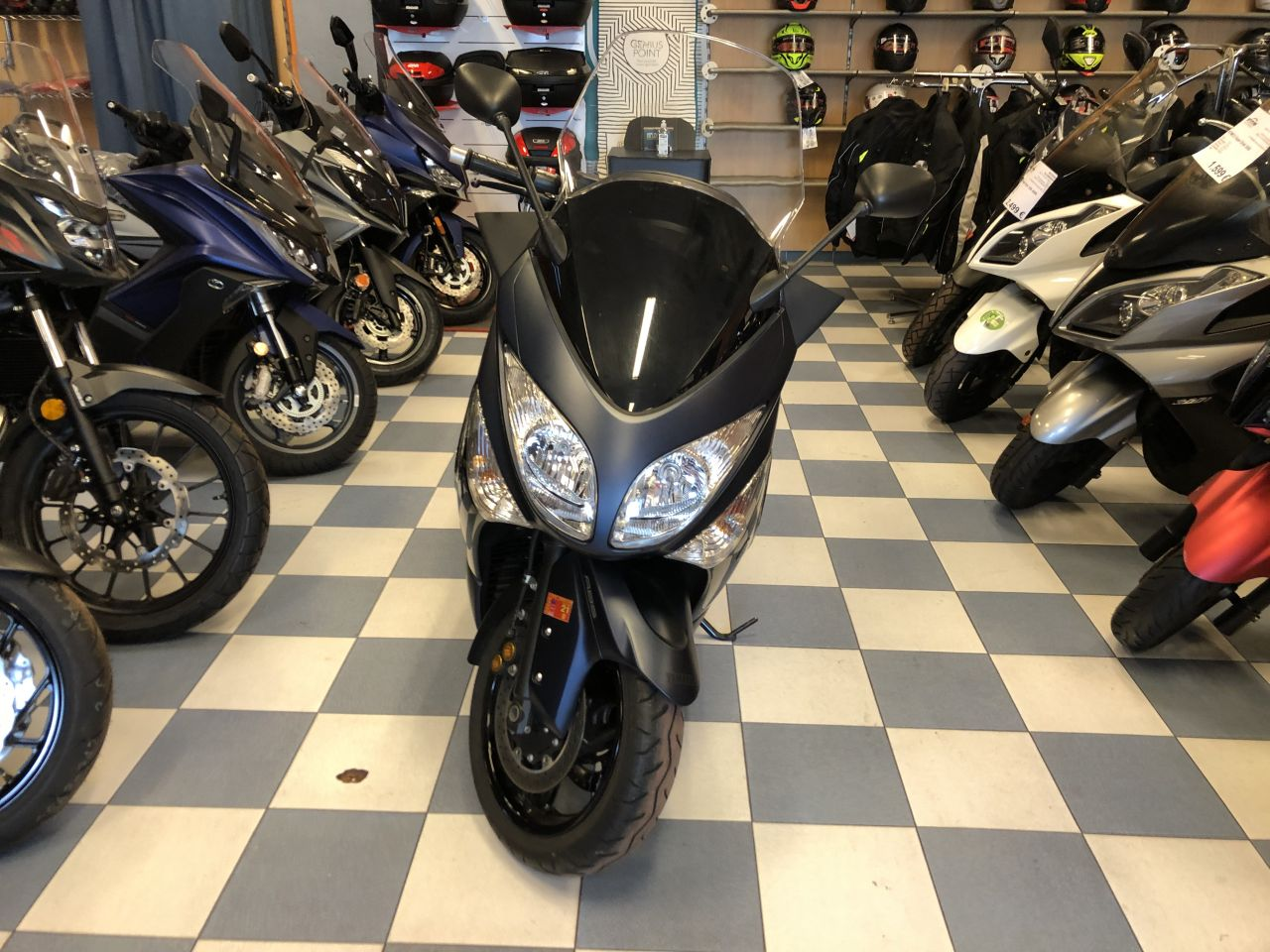 yamaha tmax 500 abs 04 - scooter-mas-125 -